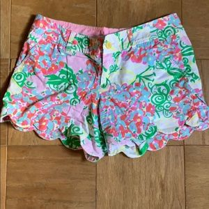 Iilly shorts super cute size 6